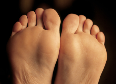 Dr. Ronald Werter provides laser toenail fungus treaments, foot and ankle surgery, and diabetic foot care,  as well as treatment for diabetic foot ulcers, bunions, hammertoes, and heel pain.